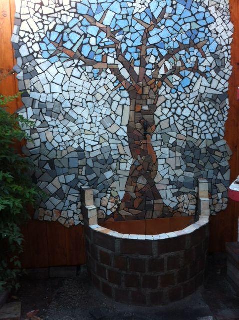 Titolo-albero della vita. mosaico su staccionata. mis.200x200