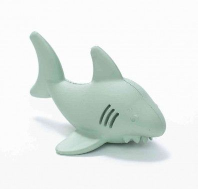 """Sea creatures star in splashy adventures""""and verbal skills develop""""when kids play with Bathtub Pals. Made from natural rubber, this fun Shark character bubbles when submerged and drains easily after playtime in the bath, beach or pool. Dishwasher safe _ top rack preferably. Recommended for ages 2+"""