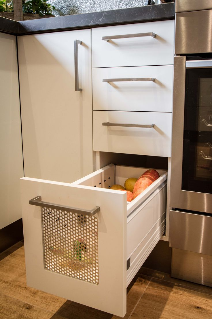 Aerated vegetable drawer. Modern kitchen. www.thekitchendesigncentre.com.au