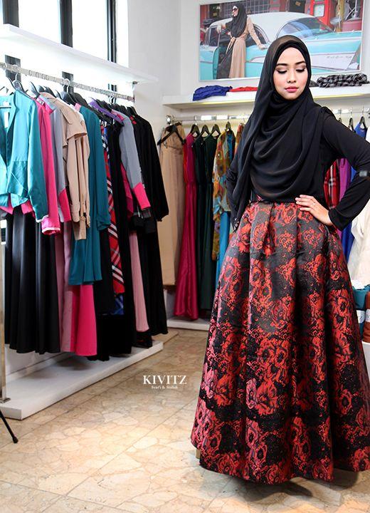Beautiful red skirt | Hijab