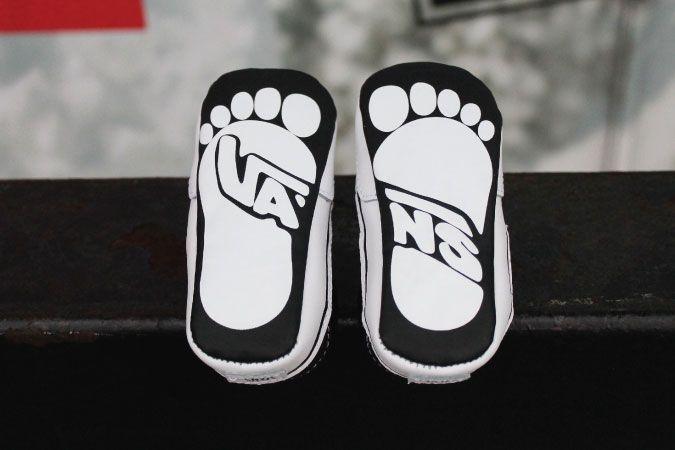 Little baby toes in baby @vans