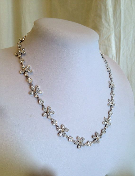 Shimmering Daisy Necklace by WOWTHATSBEAUTIFUL on Etsy