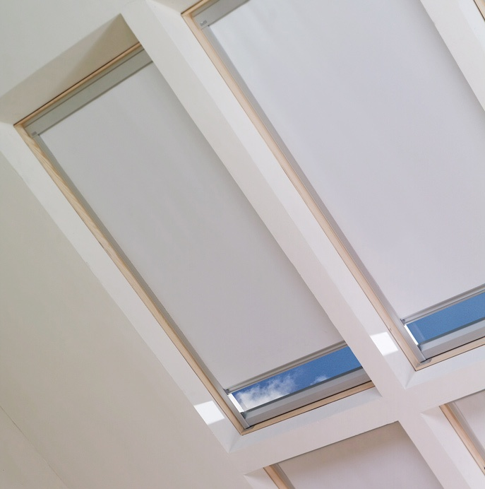 8 best velux skylight shades images on pinterest for Velux solar powered blinds