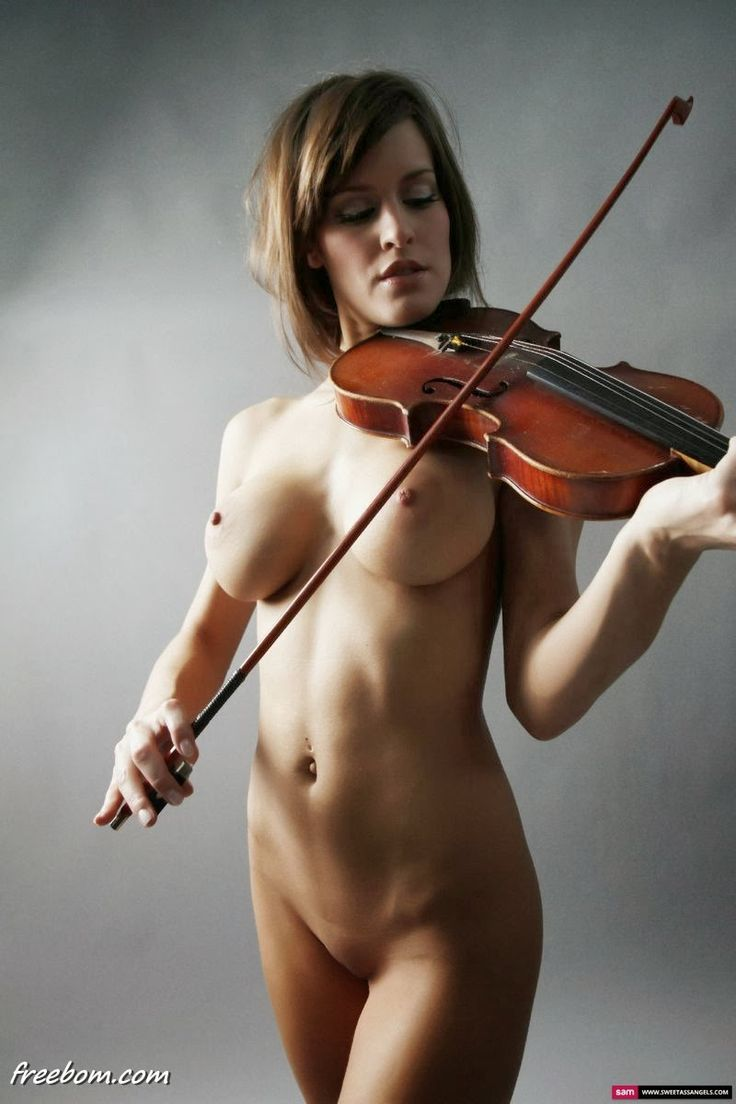 naked girl plays violin