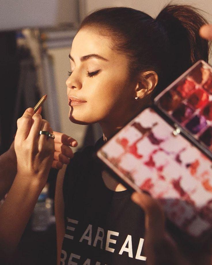 #SelenaGomez #Fans #Queen