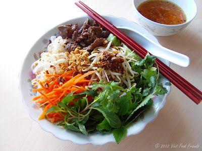 VIET FOOD FRIENDS: Bún bò Nam Bộ