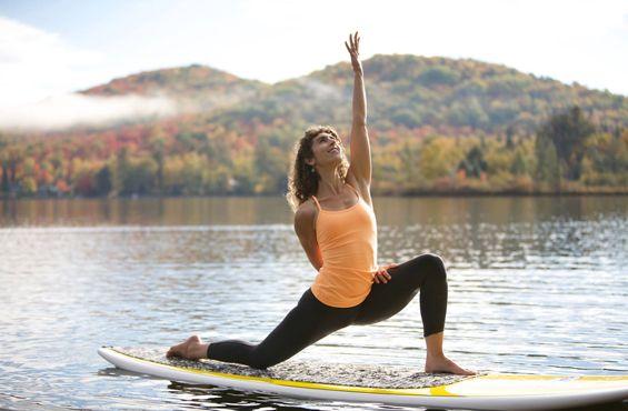 YOGA | Escapades Yoga + Plein Air. Trop de stress? Partez pour un week-end à la recherche du bonheur et du bien-être http://zurbaines.com/fr/zen-zurbaine/retraite-juna-yoga/