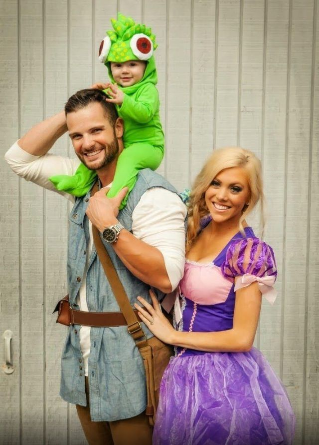 Awwww From The Movie Tangled Cute Family Baby Halloween Costumes Couple Halloween Couple Halloween Costumes