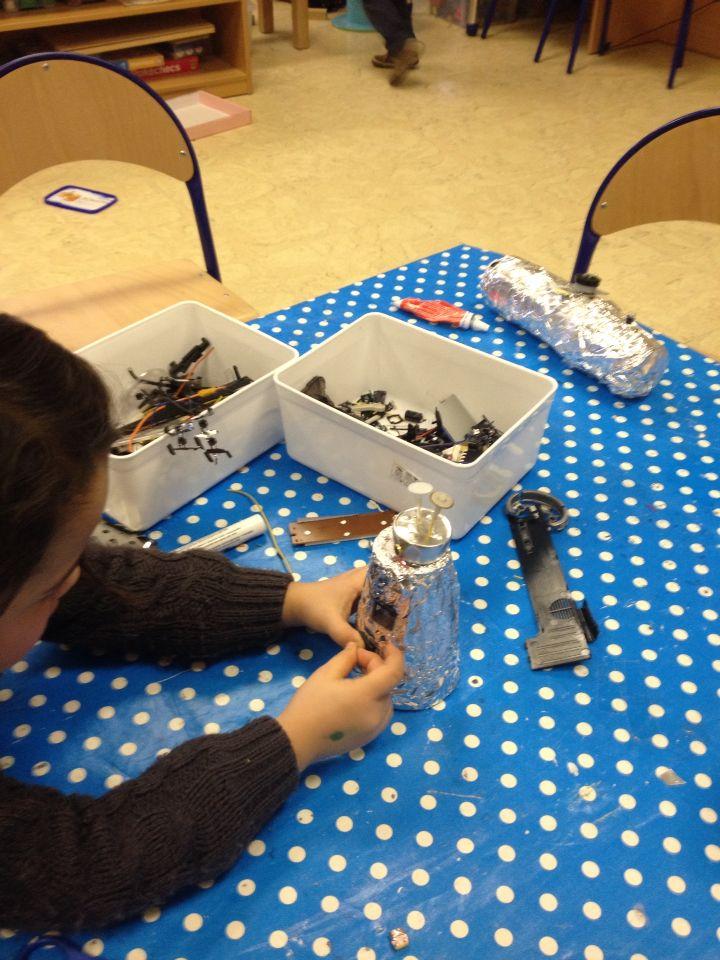 Robots maken met materialen uit sloophoek
