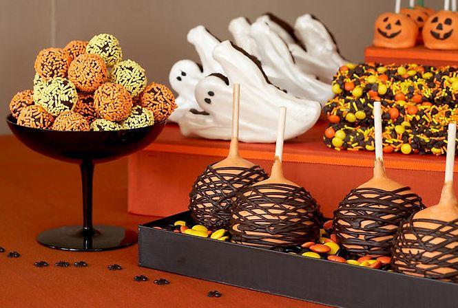 halloween treatsHalloween Desserts, Halloween Wedding, Halloween Parties Ideas, Halloween Candies, Halloween Sweets, Candies Buffets, Halloween Parties Recipe, Halloween Treats, Desserts Buffets