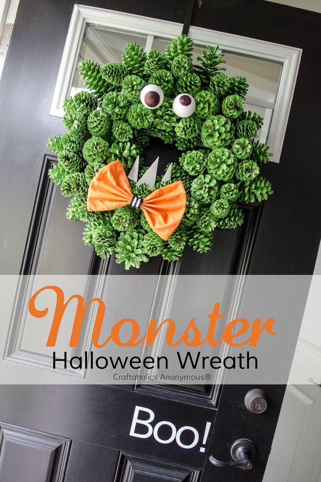 Halloween Monster Wreath - Cheap, easy DIY wreath. Love the texture!