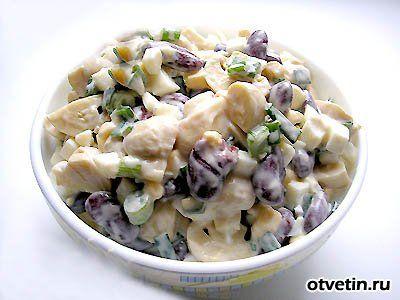 Как приготовить салат с грибами и курицей