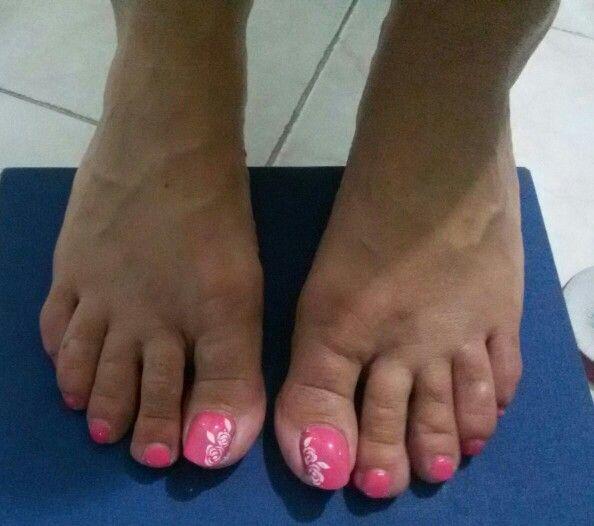 Semipermanente piedi con nail art..