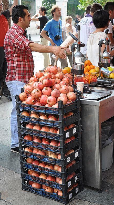 Istanbul - Pomegranate juice bar