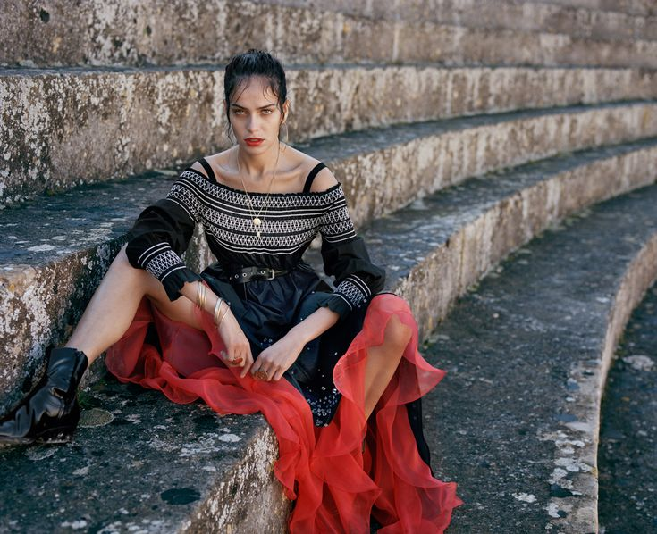 Spanish Girl: Amanda Wellsh for Porter Magazine