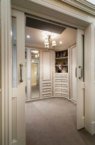 Modern bedroom closet design ideas #homedecorideas #interiordesign #bedroom luxury homes, bedroom ideas, luxury design . See more inspirations at homedecorideas.eu/