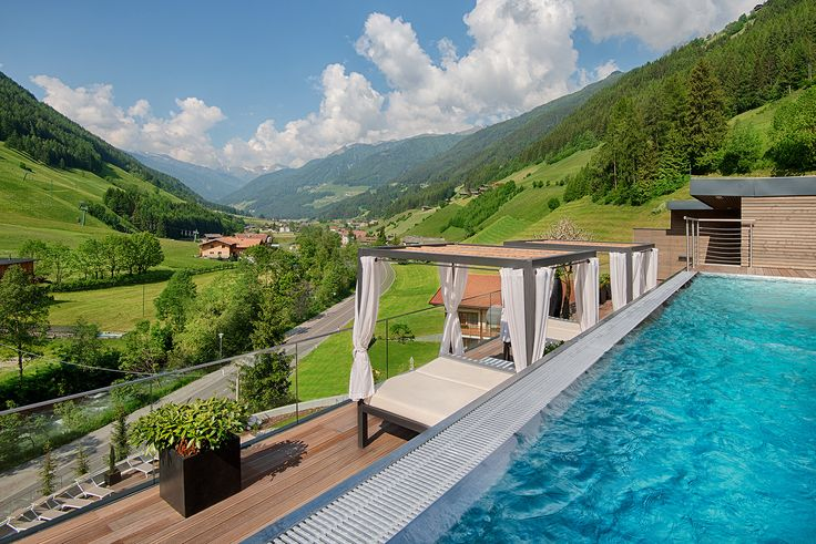Sky Pool #Wellnessresort #Italy