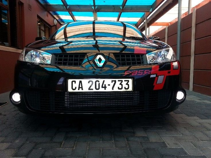 Renault Megane, blk, 2.0T, very good condition:auto wipers auto lightssteering controls76mm exhaust system190kw,many extras, a must see...