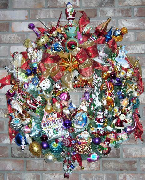 wreath with ornament mishaps...what to do with those old and not-so-perfect-any-more ornaments!