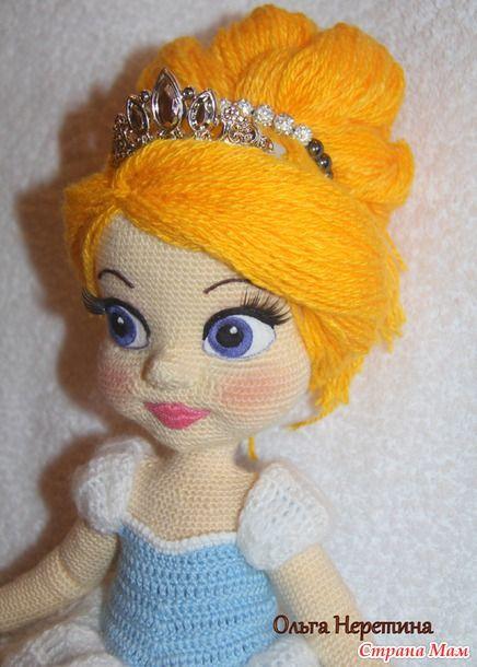 Куколка Золушка с набором одежды   doll with many outfits