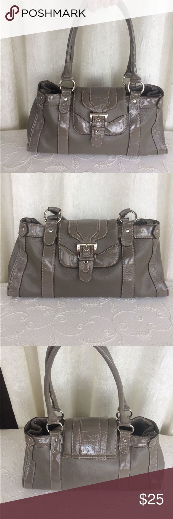 Taupe handbag Large simulated leather neutral color handbag.  Roomy, nice for professionals.  Some frayed stitching, but barely visible.  Overall in very nice condition. Bags Shoulder Bags