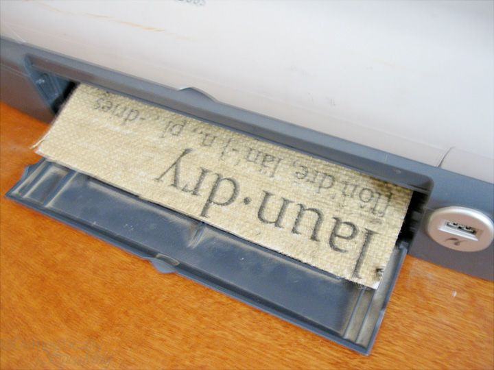 How To Print on Burlap: Freezers Paper, Crafts Ideas, Domestic Speaking, Burlap Prints, Burlap Crafts, Burlap Signs, Prints On Burlap, Step By Step, Laundry Signs