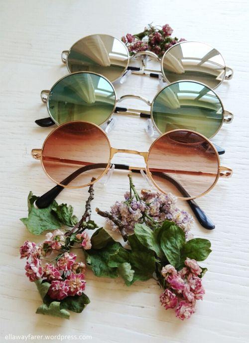 Und natürlich: bunte Sonnenbrillen!!!