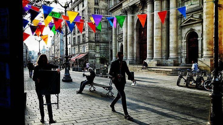 #paris #marais #saintpaul #morningsun #soleilmatinal #fanions #flags #dailytrip #trajetquotidien