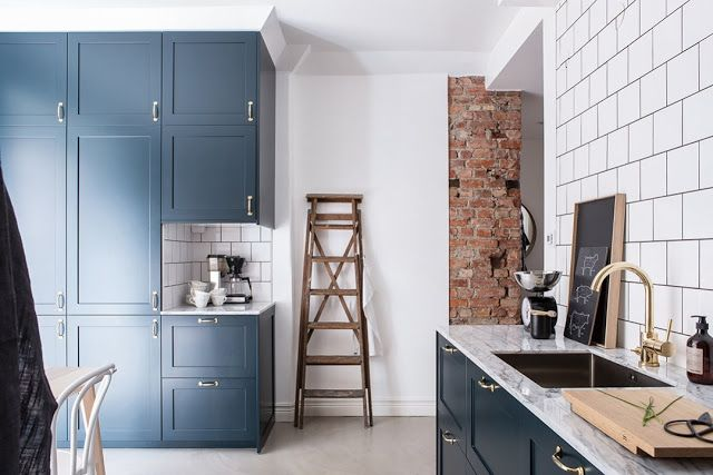 Kitchen Finishes Brick, Polished Cement, Marble, Tile and Wood 1