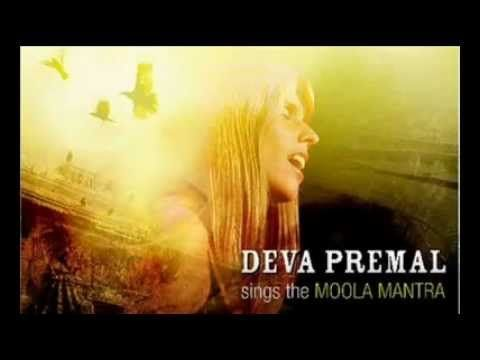 Deva Premal .. Moola Mantra, esto saca lo mejor de mi.gracias!