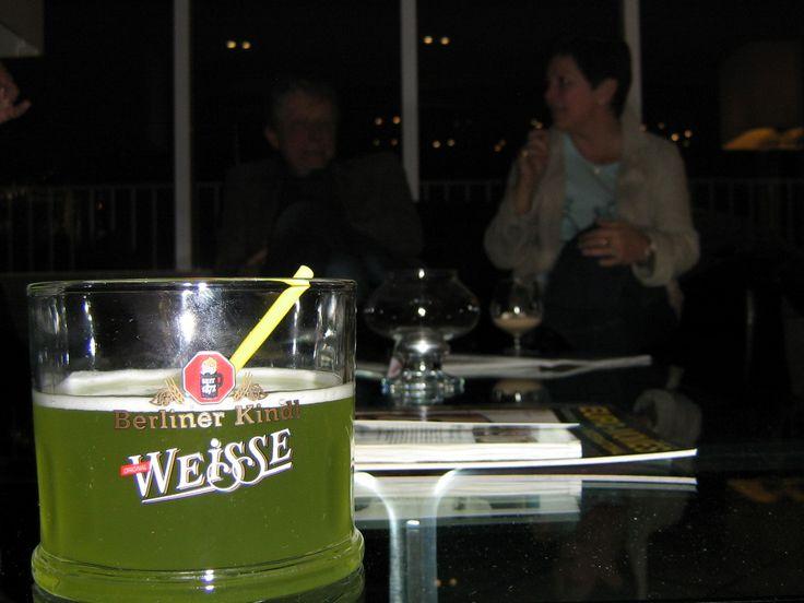 Så hadde de jammen grønt øl også :)