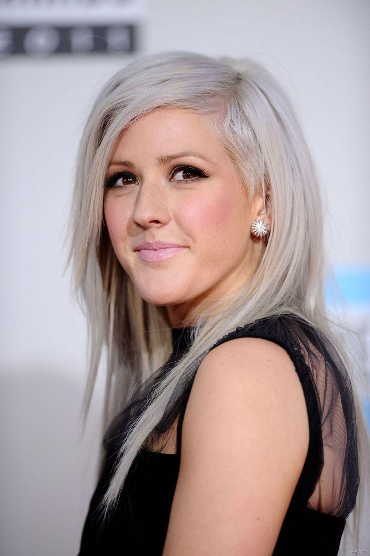 la chanteuse anglaise ellie goulding a saut le pas en affichant des cheveux gris souris - Coloration Blond Gris