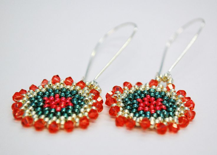 Circular Peyote Stitch - Whilst making these super cute earrings, we'll teach you how to work in circular peyote including how to step up and increase.