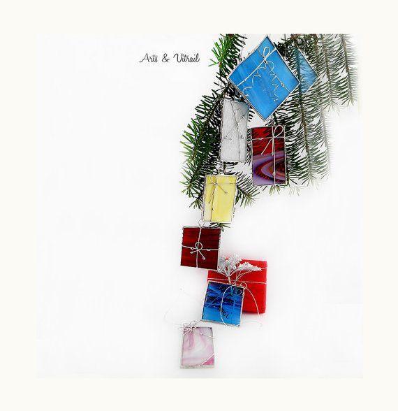 Une étiquette cadeau vitrail se transforme en par ArtsVitrail