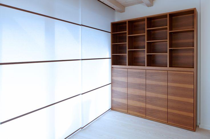 Wooden #cabinet with darker veining #home #schrank #handwerk #crafts