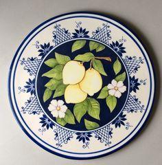 100%artesanal Feito em cerâmica e pintado a mão Para uso decorativo e utilitário. Prato de 33 cm de diâmetro