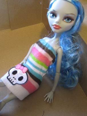 Maggi*spatz: Monster High Doll Clothes made out of socks tutorial