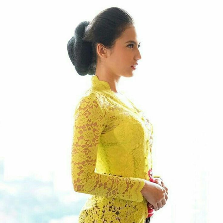 Pevita Pearce in Kebaya