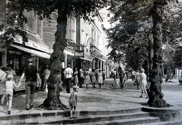 Do you remember when traffic was able to pass freely through Tunbridge Wells  town centre, and British Home Stores was still a High Street fixture?    	When the town's  cinema  was showing films...