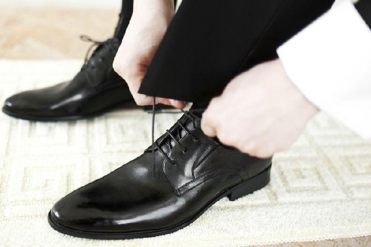 Jangan asal pilih sepatu kerja. Berikut ini tips yang mudah untuk memilih sepatu kantor yang tepat.    #kantor #sepatukantor #lifestyle