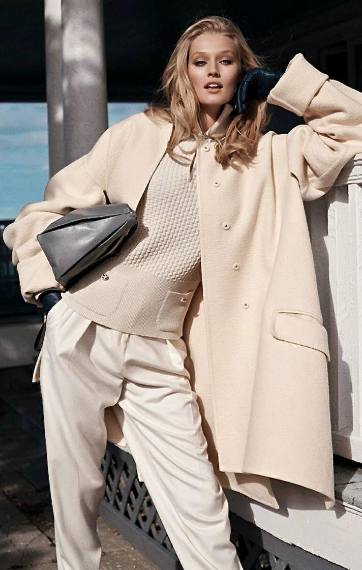 Pierwszy look na tej tablicy, bardzo #elegancko ale również #casual - Toni Garrn