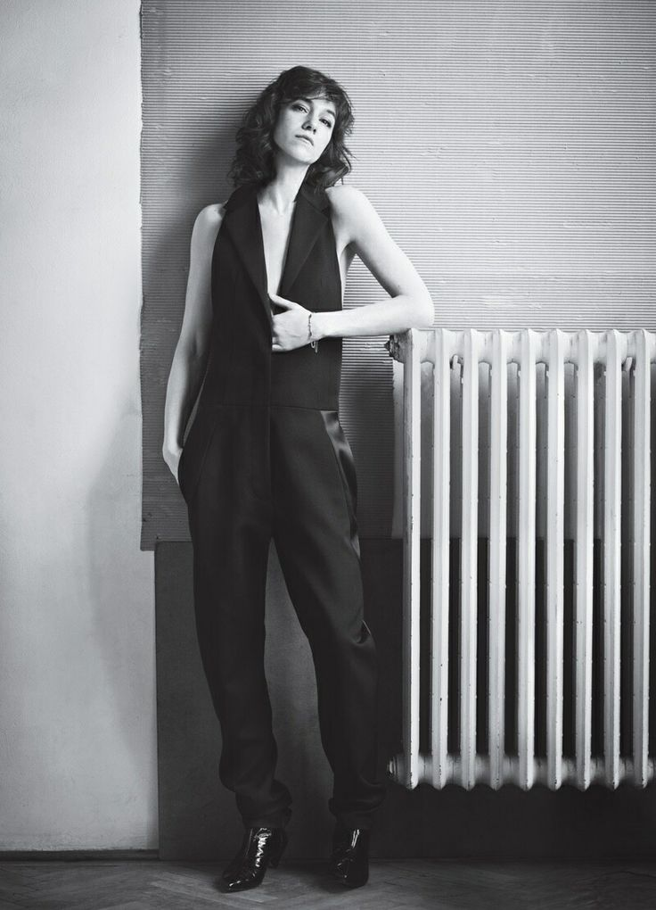 17 best images about charlotte gainsbourg on pinterest lou doillon portrait and charlotte. Black Bedroom Furniture Sets. Home Design Ideas