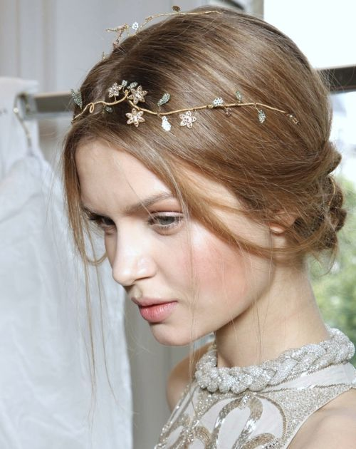 Josephine Skriver's Long Straight Hair In Loose Romantic ...