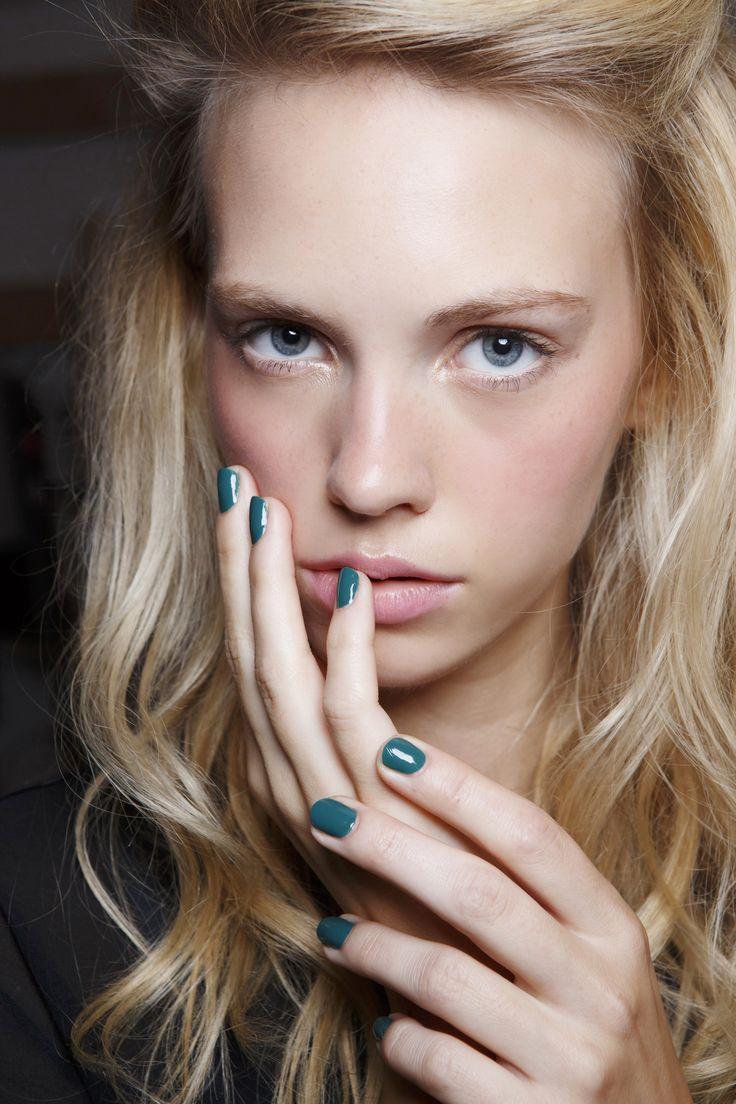 Manicure: trendy wiosna-lato 2015, Walker, fot. Imaxtree