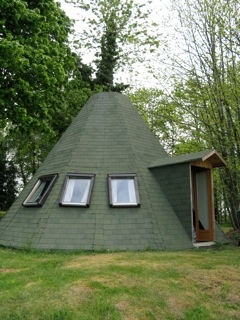 1000 images about unique small cabins and guest houses on for Cabin like houses