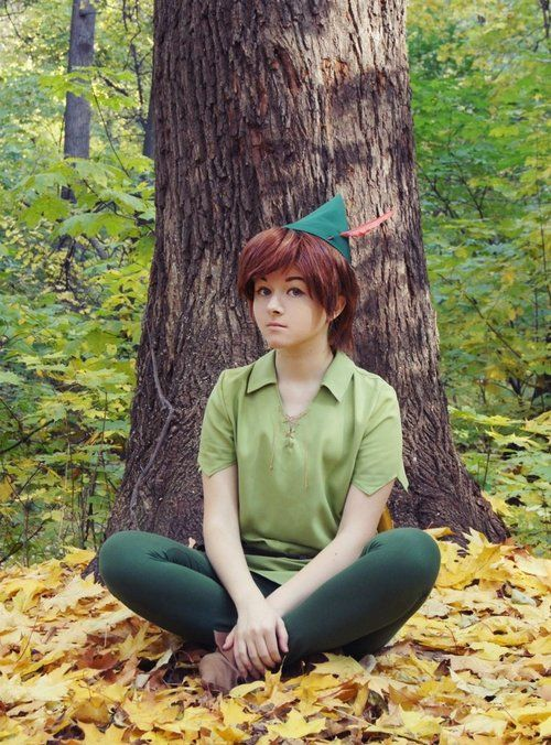 Peter Pan Cosplay <that is a beautiful face... wait no i meant cosplay... no i meant face