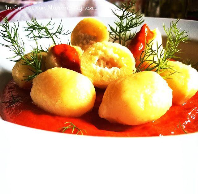 In Cucina con Mamma Agnese: Gnocchi Ripieni su morbido letto di Peperoni
