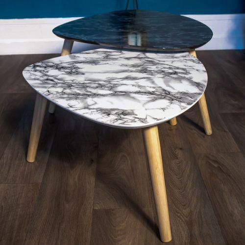 Le marbre, vous ne pouvez pas passer à côté. Apprenez à revêtir vos meubles et objets avec du rouleau adhésif effet marbre.