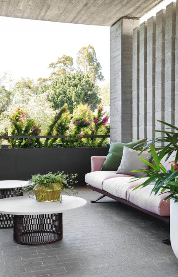 20 Modern Indoor Outdoor Living Spaces Homemydesign Indoor Outdoor Living Outdoor Living Indoor Outdoor Living Room