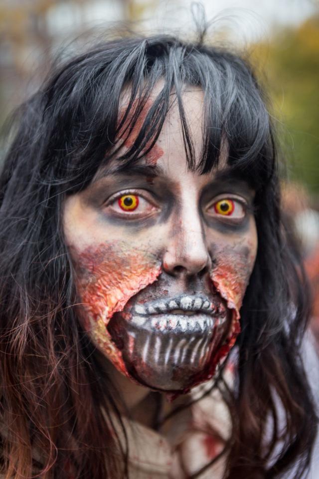 Montreal Zombie Walk 2016: The Undead Unite October 29: Montreal Zombie Walk Photos